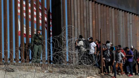 Endurece Estados Unidos su política migratoria