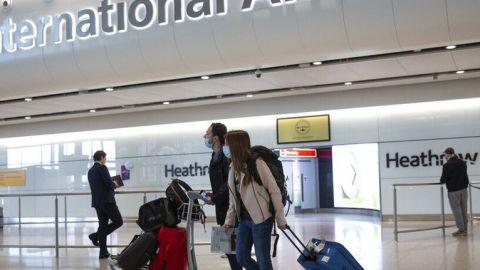 Suspenden vuelos con Reino Unido por nueva cepa de coronavirus
