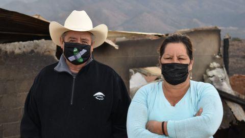 Ayudan a familia que perdió vivienda tras incendio forestal
