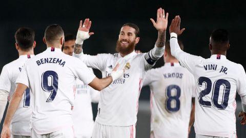 Real Madrid vence 2-0 al Granada con goles de Benzema y Casemiro