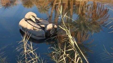 Muere por caída con vehículo al canal