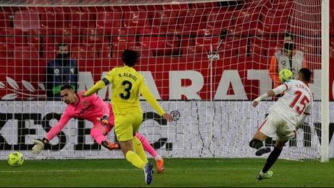 Un efectivo Sevilla le gana el pulso por la 'Champions' al Villarreal
