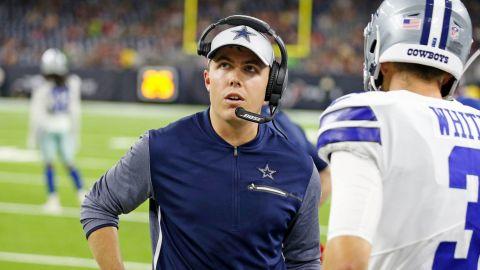 Cowboys extendieron contrato al coordinador ofensivo