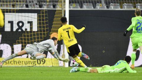 Un deslucido Dortmund rescata triunfo ante Wolfsburgo