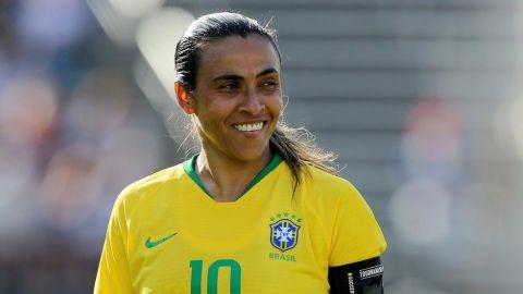 La futbolista Marta anuncia compromiso con su compañera de club Toni Deion