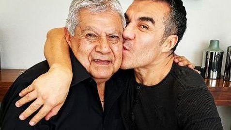 Fallece el papá del actor Adrián Uribe