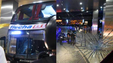 Apedrean autobús del Santos de Brasil tras partido vs Boca Juniors
