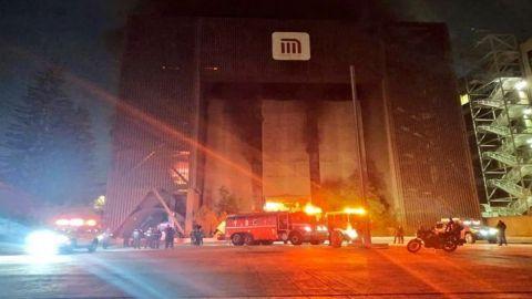 Sofocan en su totalidad incendio en centro de control del Metro
