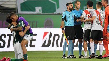 Conmebol revela porque anuló el gol de Rivera Plate en la semifinal