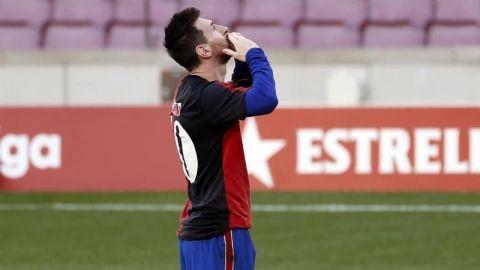 Confirmada la tarjeta a Messi por quitarse la camiseta y homenajear a Maradona