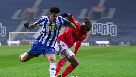 Empate entre Oporto y Benfica, con goles de Grimaldo y Taremi