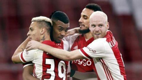 Una genialidad de Gravenberch decanta para el Ajax el clásico de Países Bajos