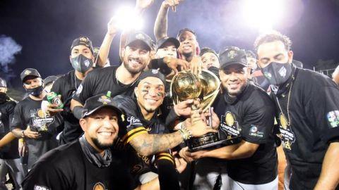 Las Águilas Cibaeñas conquistan su título 22 al remontar ante los Gigantes