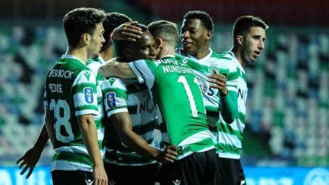 Porto y 'Tecatito' sufren agónica eliminación