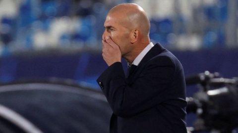 Zinedine Zidane no se va pese a fracaso en Copa del Rey