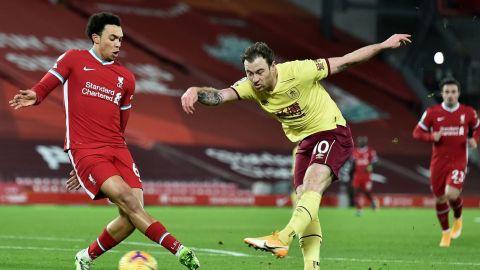 Liverpool cae con el Burnley y pierde una racha de 68 juegos invicto en casa