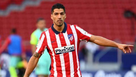 Suárez sigue sumando goles mientras a los delanteros del Barça batallan