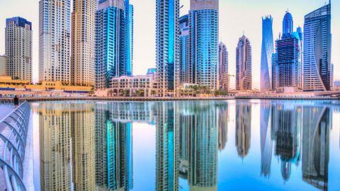 Dubái ofrece vacaciones de lujo con vacuna covid-19 incluida