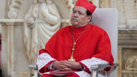 Cardenal Rivera fue desintubado; continúa con mejoría: Valdemar