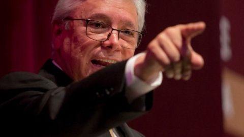 Gobernador de BC llama misógino a Hank Rhon