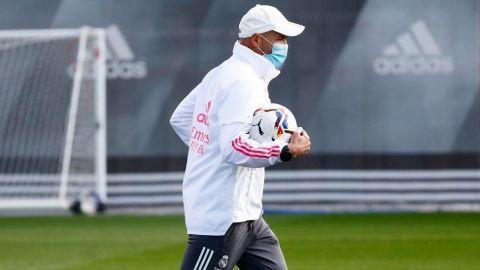 Zidane evoluciona satisfactoriamente tras contagiarse de covid-19
