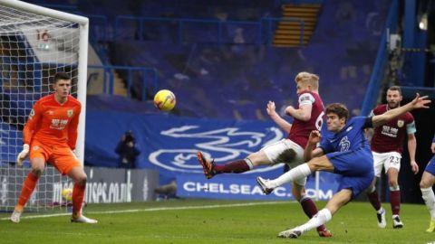 Chelsea despacha 2-0 a Burnley para 1ra victoria de Tuchel