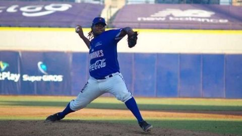 Pitcher dominicano Eduar López, de Caimanes, no pudo entrar a México