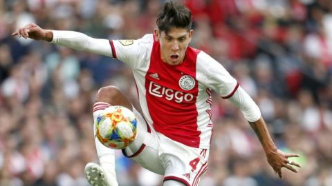 El Ajax, con Edson en la cancha, pone tierra de por medio