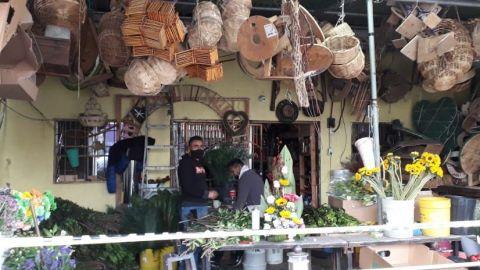 Floristas esperan con ansías San Valentín para recuperarse económicamente