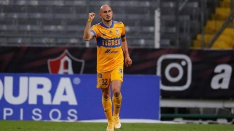 Carlos González continúa su recuperación en Catar