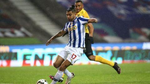 'Tecatito' llegó a 250 juegos con el Porto
