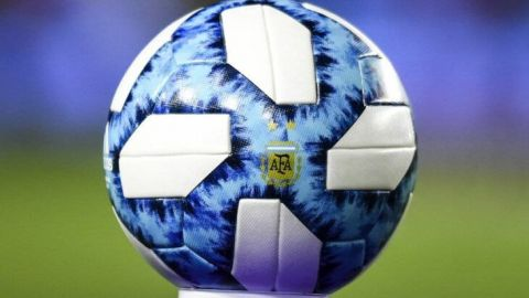Federación de Argentina cambia nombre de Copa Maradona por litigio por herencia