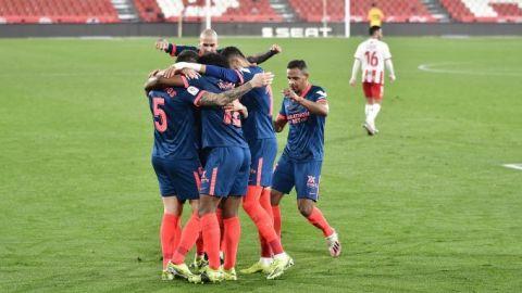 Con gol de Ocampos, Sevilla vence al Almería en la Copa