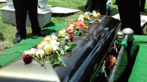 Un mes después del entierro de familiar con COVID-19 se enteran que seguía vivo