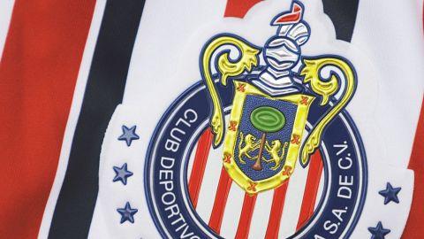 Chivas le sigue pagando a jugadores que ya no están en el equipo