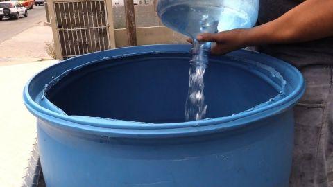 Familias no tienen donde almacenar agua