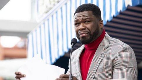 Fiesta por Super Bowl con 50 Cent sin mascarilla