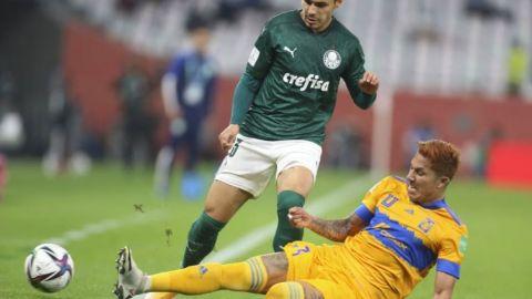 Carlos Salcedo, ¿adelanta su salida de Tigres?