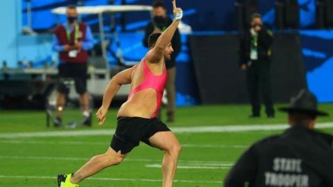 Espontáneo del Super Bowl habría ganado miles de dólares por entrar a la cancha