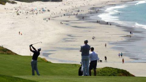 Cubanos cambian el futbol por el golf, buscando paliar el estrés por el virus