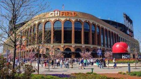 Nueva York reabrirá estadios con aforo limitado