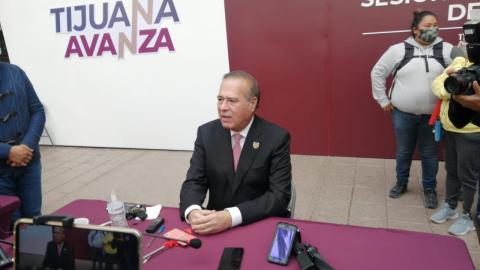González Cruz NO se pronuncia en favor de ningún candidato