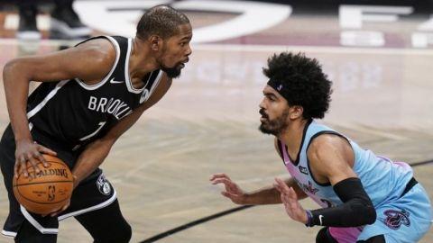 Durant se reincorpora a los Nets, jugará contra los Warriors