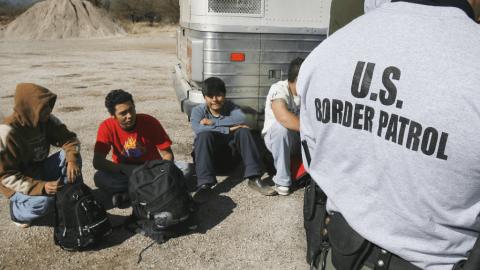 Permitirá EU volver a solicitantes de asilo