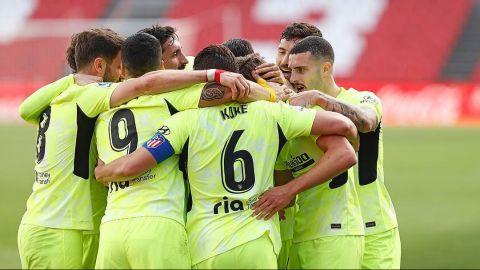 Llorente y Correa le dieron el triunfo al Atlético ante Granada