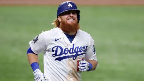 Justin Turner firma contrato de dos años con los Dodgers