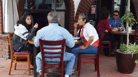 Ligero repunte de ventas en restaurantes