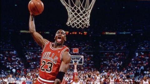 Michael Jordan cumple 58 años: el hombre que volvió a 'distraer' al mundo