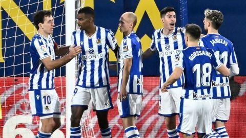 """Real Sociedad está lista para jugar """"de tú a tú"""" con el United, según su DT"""