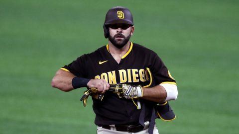 Otro ex Padres llega a Oakland, ahora un bat de poder